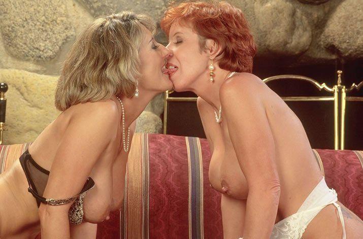 Laser reccomend Mature lesbians with dildos