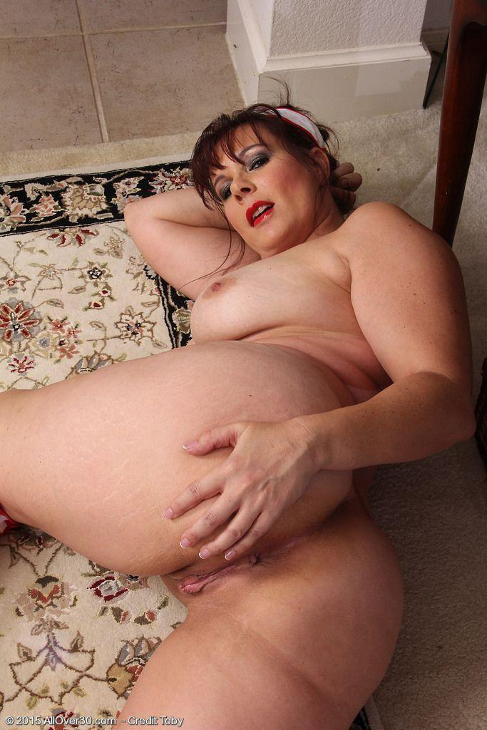 Mature Chubby Naked
