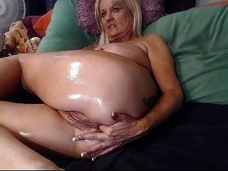 Riot reccomend Granny talks to jack porn tube