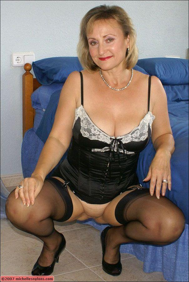 best of Nylons pussy women Mature pantyhose
