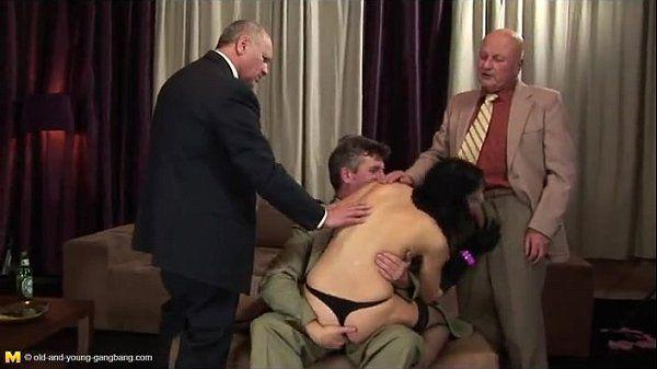 Belicia gangbang with pissing