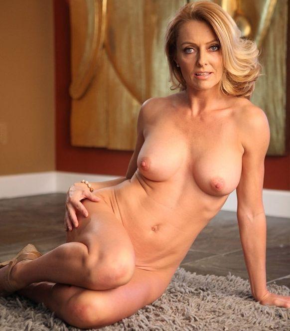 Mujeres desnudas con buen cuerpo