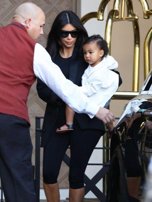SWAT reccomend Kim kardashian threesome