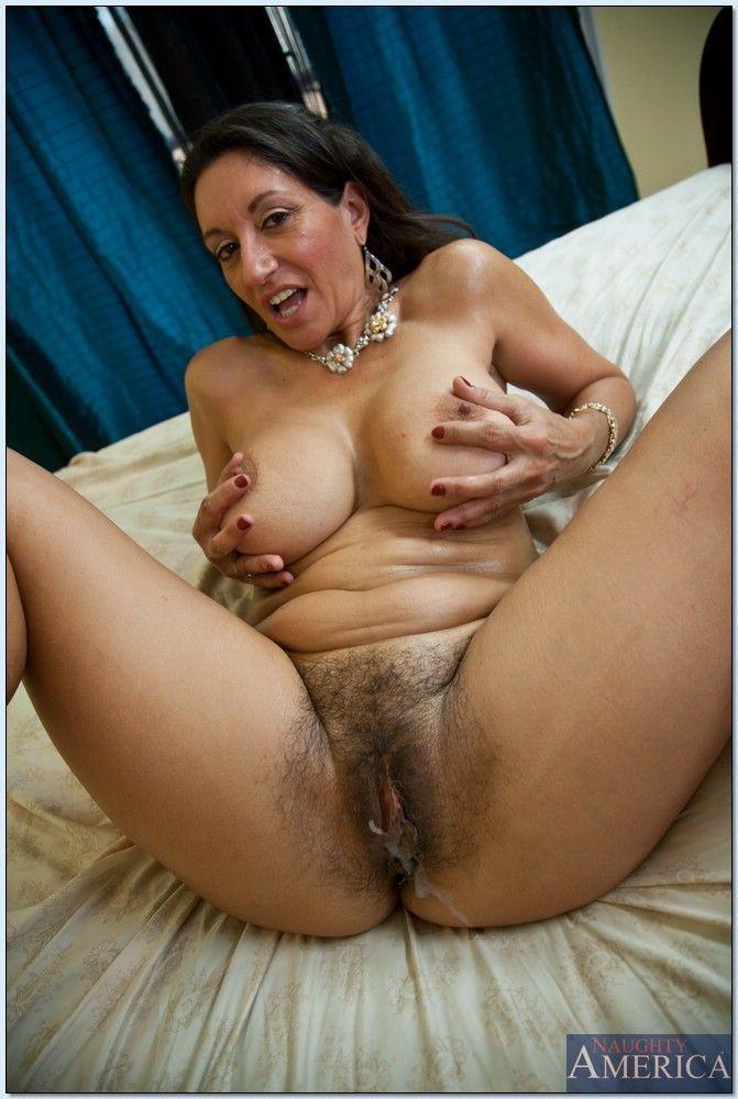 Hot smoking nude brazilian babes