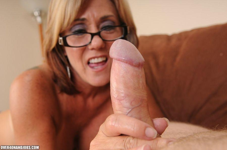 The P. reccomend Milf with glasses tube