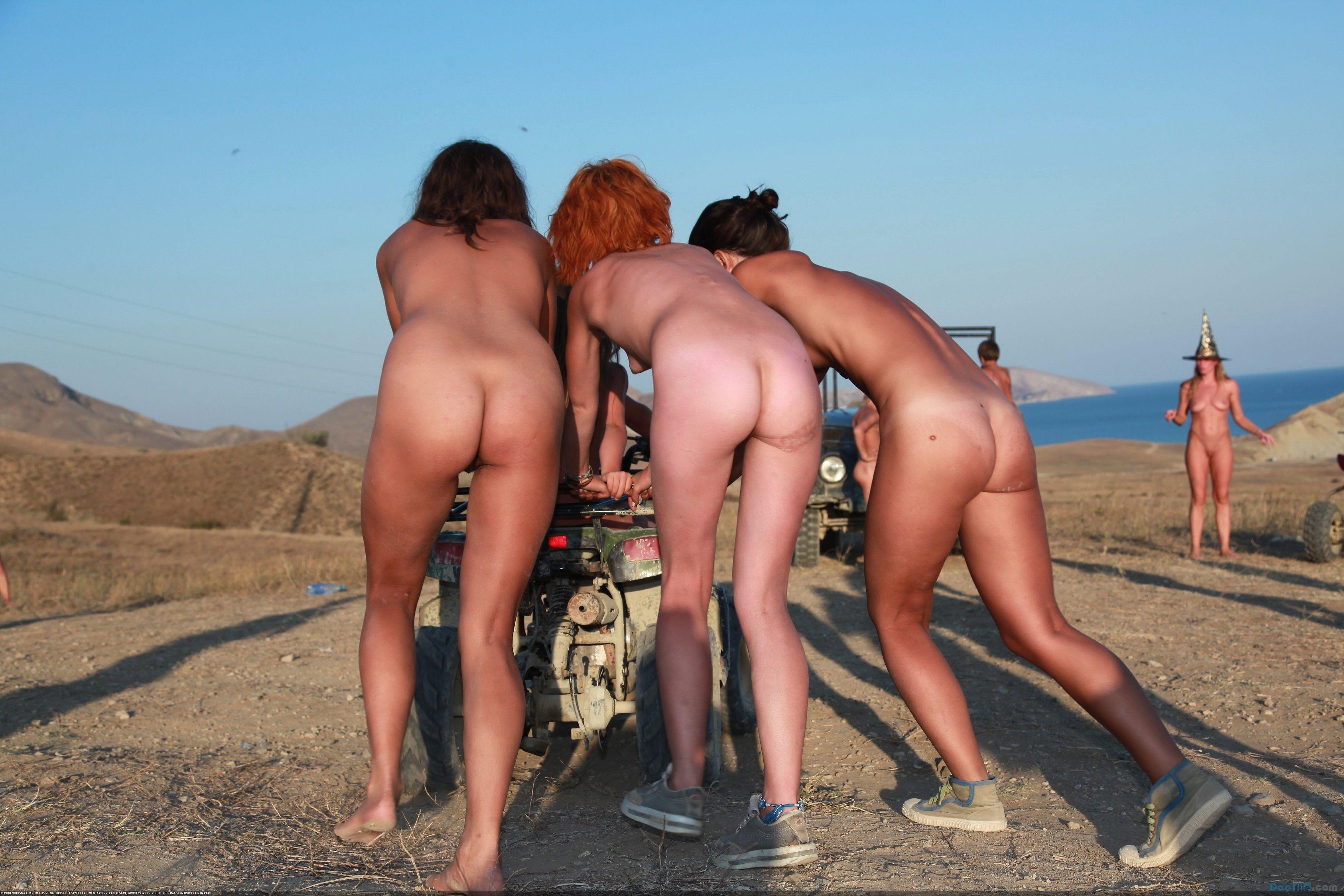 Nude yoga new york