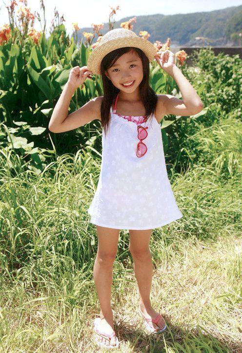 Junior idol bikini girls